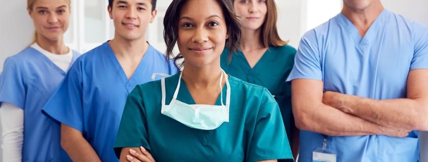 Pijama quirúrgica: función y relevancia para el personal médico