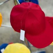 Gorras promocionales: uniforman a tus empleados y promueven el negocio